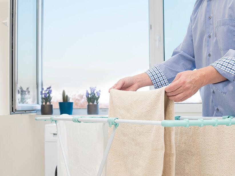 Wäsche Trocknen Im Schlafzimmer